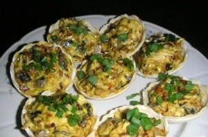 Корзинки с грибами и сыром