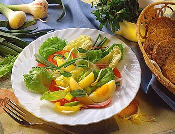 Диетический салат из свежего кабачка