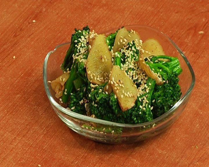 Salad with broccoli