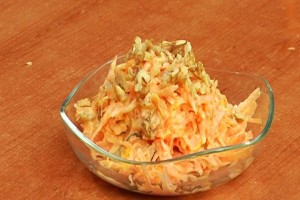 Salad with ginger and carrot