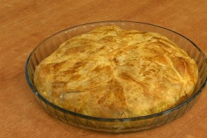 Pie with chicken and vegetable