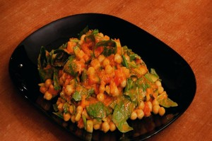 Salad with pea and spinach