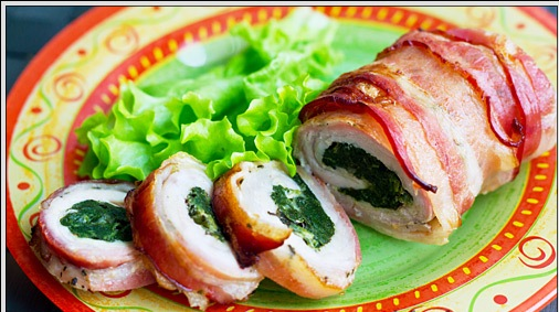 Rolls with bacon and spinach