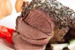 Ոչխարի միս՝կանաչիով ու սխտորով կարմրեցրած