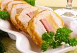 Куриное филе, фаршированное сыром, ветчиной и ананасами