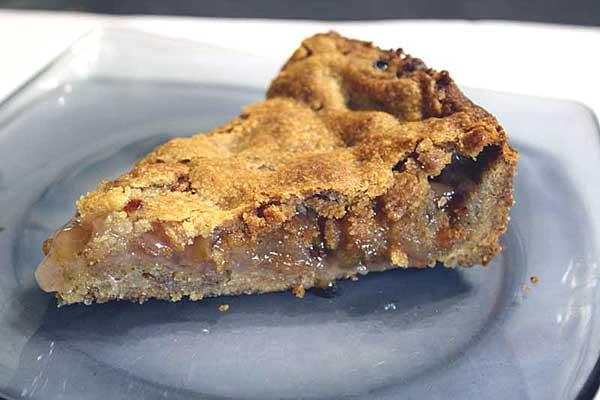Ореховый пирог с яблочной начинкой